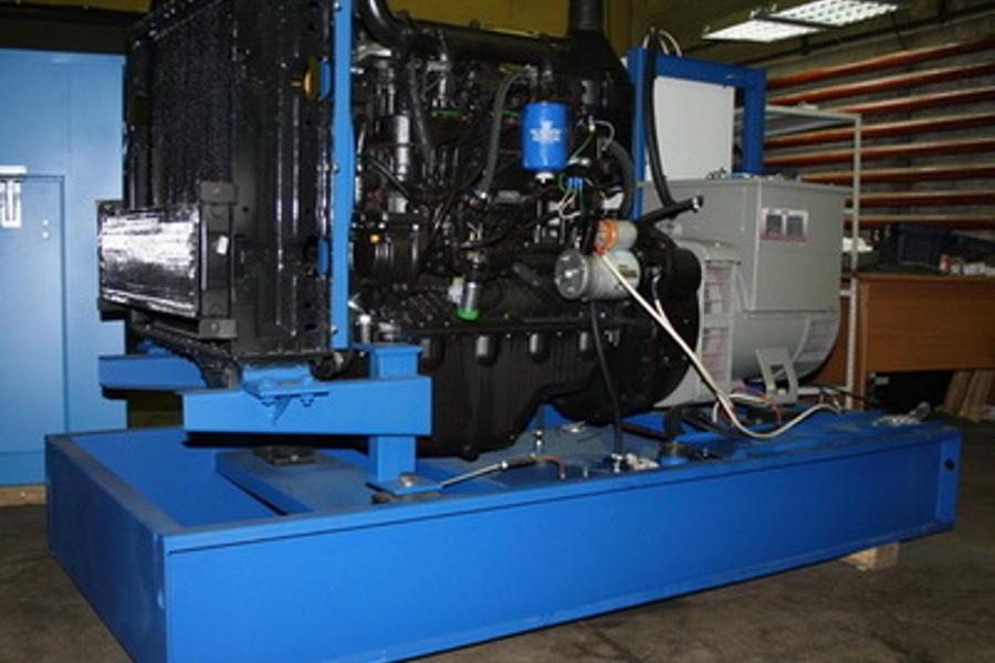 Поставка генератора для промежуточной радиорелейной станции