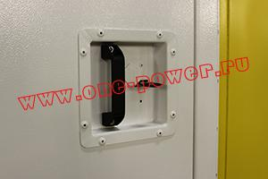 Фото ручки двери с замком блок-контейнера ББН.4-6-0004